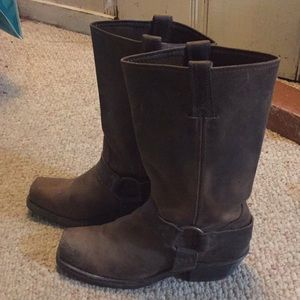 Brown Leather Frye Harness boots size 8 almost new